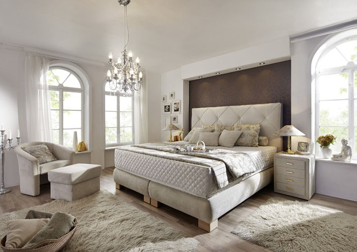 schlafzimmer walnuss creme inspiration. Black Bedroom Furniture Sets. Home Design Ideas